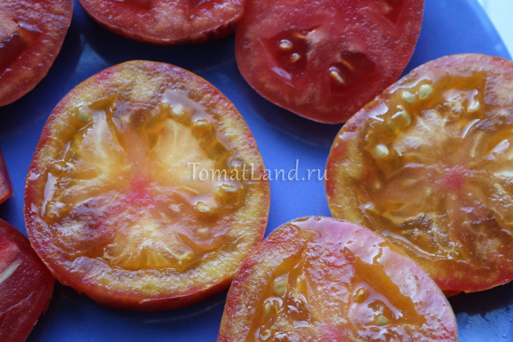 помидор кровоточащее сердце в разрезе
